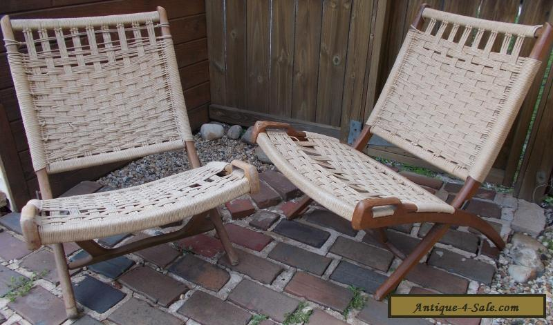 2 HANS WEGNER STYLE CHAIRS WOVEN ROPE MID CENTURY MODERN DANISH FOLDING  LOUNGE For Sale