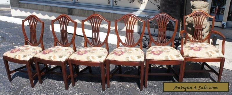 6 Vintage Hepplewhite Style Mahogany Carved Shield Back Dining chairs Mid  Cent for Sale - 6 Vintage Hepplewhite Style Mahogany Carved Shield Back Dining