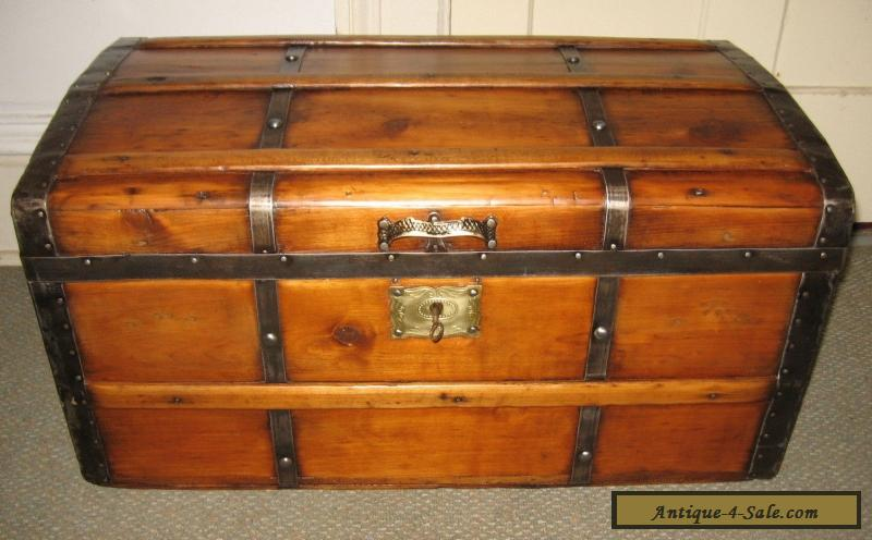 antique steamer trunk vintage victorian rustic wooden stagecoach chest c1870 for sale in united. Black Bedroom Furniture Sets. Home Design Ideas