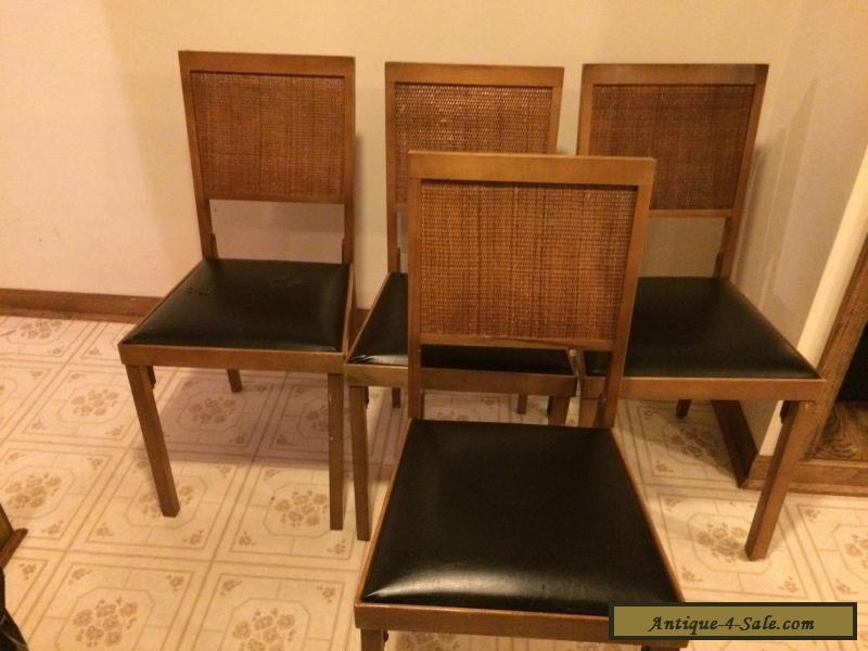 Set Of 4 Vintage Leg O Matic Folding Chairs For Sale