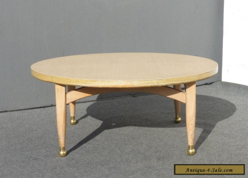 vintage danish mid century modern style round coffee table peg leg gold feet for sale in. Black Bedroom Furniture Sets. Home Design Ideas