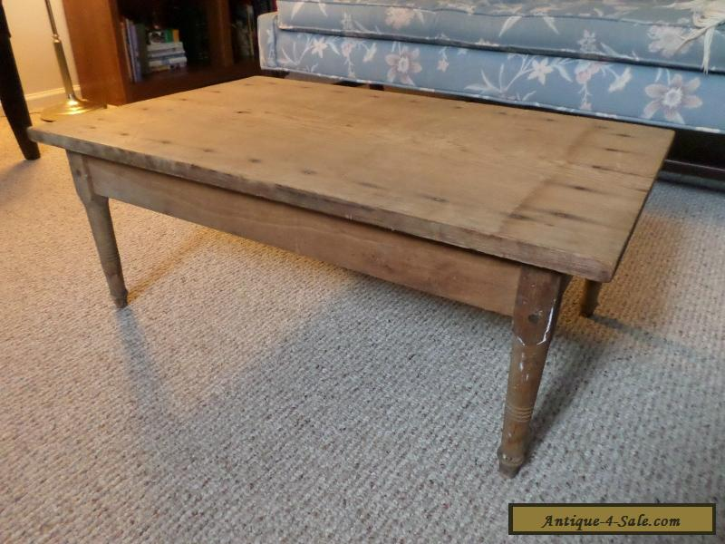 Antique Wood Coffee Table or Child's Table w/ One Board Top Vintage  Primitive for Sale - Antique Wood Coffee Table Or Child's Table W/ One Board Top Vintage