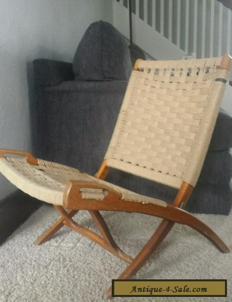 Exceptional Danish Modern Folding Rope Chair Vintage Hans Wegner Style Mid Century For  Sale