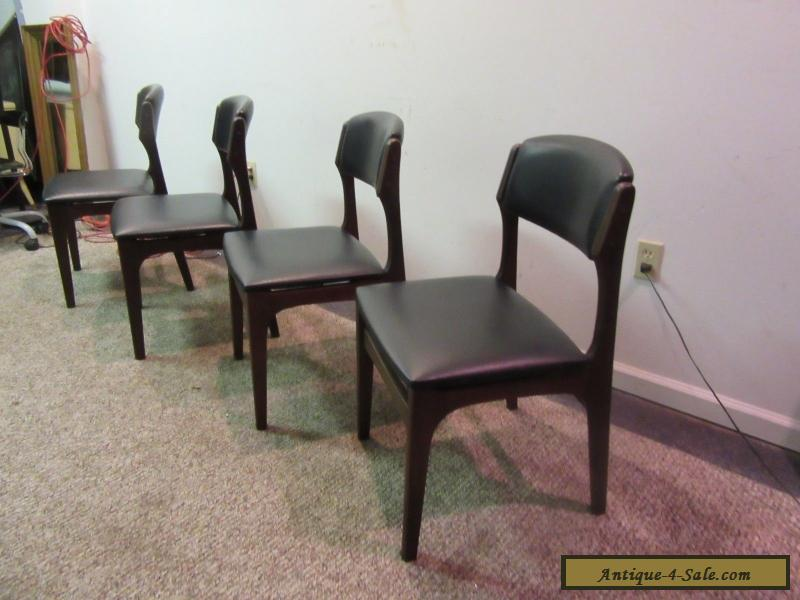 SET OF 4 MID CENTURY DANISH MODERN WALNUT VOLTHER STYLE DINING CHAIRS For Sal