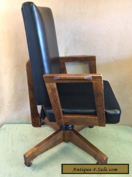 GUNLOCKE MID CENTURY Modern DANISH OFFICE ARM CHAIR Wood Faux Leather  Vintage For Sale