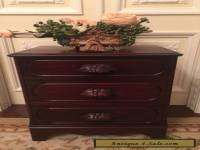 ANTIQUE VICTORIAN MAHOGANY 3 DRAWER NIGHTSTAND, CABINET.....NICE
