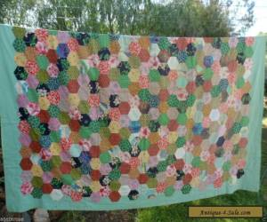 Antique vintage patchwork hand pieced old hexagon bed quilt cover  for Sale
