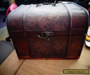Large wooden box for Sale