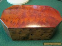 STUNNING WOODEN BOX WITH INSET TRAY