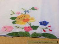 Pretty Vintage FLORAL EMBROIDERY APPLIQUE Small Tablecloth or Doily - 3 Matching