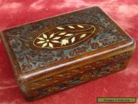VINTAGE ANTIQUE ?  OLD HAND CARVED WOODEN TRINKET JEWELLERY BOX FLOWER INLAY