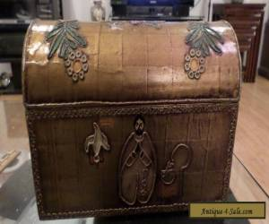Old Vintage Storage Wood box container hand painted for Sale