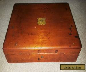Beautiful antique vintage wooden box for Sale