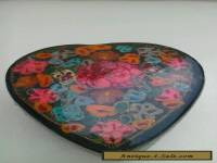 VINTAGE WOODEN LACQUERED HEART SHAPED TRINKET BOX