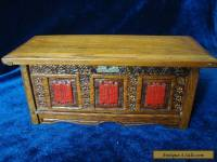 A VINTAGE NOVELTY BOX, MINIATURE CARVED 'OAK COFFER'.