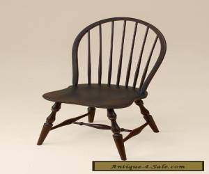 Kitchen Windsor Chair - Side - Early American Style Dining Room Furniture - Wood for Sale