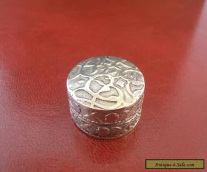 ANTIQUE / VINTAGE SOLID SILVER IRAQI PILL BOX for Sale