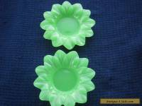 Vintage green glass flower shaped trinket dishes (2) - 99 cent start