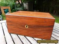 LOVELY ANTIQUE VINTAGE MAHOGANY JEWELLERY BOX WITH BRASS INSERTS.