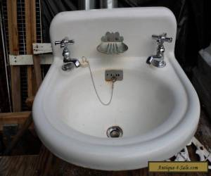 ANTIQUE WHITE CAST IRON FARMHOUSE SINK   for Sale