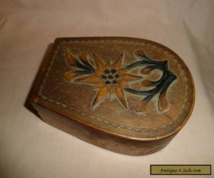 ANTIQUE CARVED WOODEN COLLAR BOX for Sale