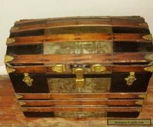 1880 ANTIQUE STEAMER TRUNK VINTAGE VICTORIAN DOME TOP  STAGECOACH CHEST  for Sale