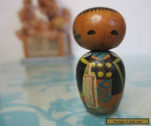 Small 3.5cm Vintage Japanese Kokeshi boy in haori handturned wood nodder Doll for Sale