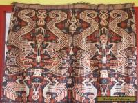 LARGE VINTAGE HAND WOVEN SUMBA HINGGI IKAT COLLECTABLE TEXTILE INDONESIA