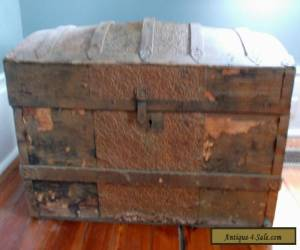 VINTAGE ANTIQUE 1870-90 VICTORIAN STEAMER CAMEL BACK TRUNK WOODEN CHEST  for Sale