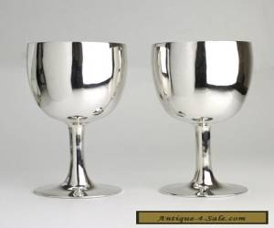 Pair of Chinese export silver goblets Wai Kee Hong Kong 1960s for Sale