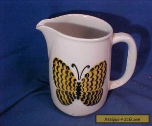 """1960s ARABIA Pottery FINLAND 5"""" PITCHER with LARGE BUTTERFLY Design for Sale"""