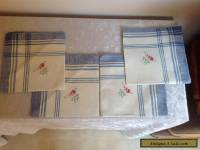 VINTAGE LINEN  SERVIETTES 4 BLUE & WHITE EMBROIDERED PINK FLOWERS SHABBY FRENCH