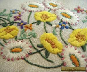 Amazing Vintage Linen Hand Embroidered Floral Tablecloth Buttercups & Daisies  for Sale